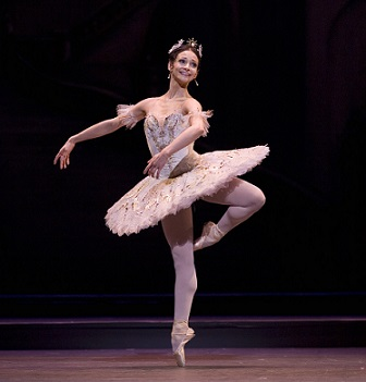 Roberta Marquez as Princess Aurora in The Sleeping Beauty