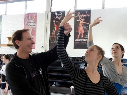 Keith MacKintosh teaching Mariette Opperman and Chloe Ames at Cape Town City Ballet's dance studio.