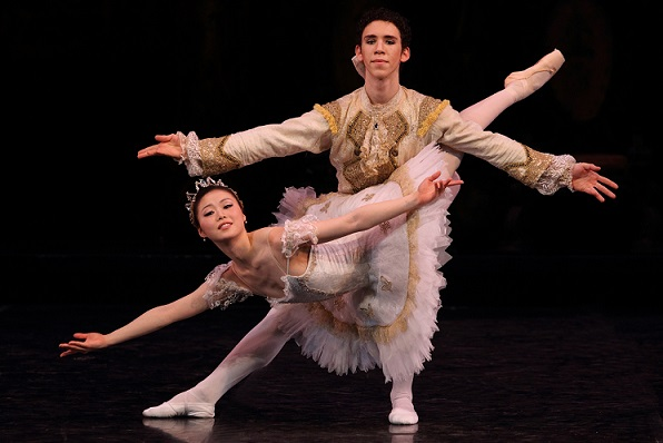 Mami Fuji and Ramiro Samón in The Sleeping Beauty by Cape Town City Ballet
