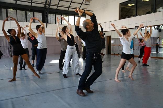 Colombian Álvaro Restrepo works with the SA Mzansi Ballet dancers.