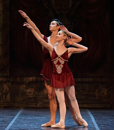See Mariette Opperman & Jesse Milligan perform in Cape Town City Ballet's Pas de Deux.