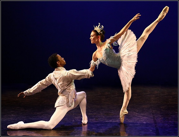 See Joburg Ballet's Angela Maree and Javier Monier when they perform The Nutcracker in Pretoria.
