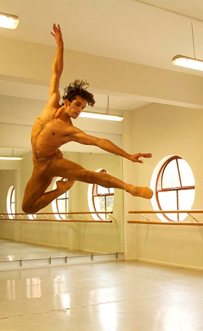 Mexican-based Jonhal Fernández will perform with the Joburg Ballet for three performances during their Nutcracker season
