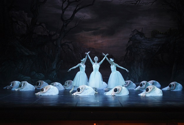 According to the company, early ticket sales indicate that Cape Town City Ballet may have a sell-out success with Swan Lake in April 2014.