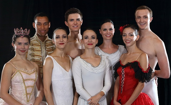 From left to right: Elizabeth Nienaber, Bradley van Heerden, Kim Vieira, Daniel Szybkowski, Laura Bösenberg, Angela Hansford, Rosamund Ford and Thomas Thorne.