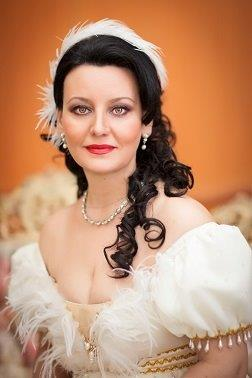 Russian opera diva, Larisa Akhmetova, will perform alongside dancers at the Russian Ballet Stars gala performances at Joburg Theatre.