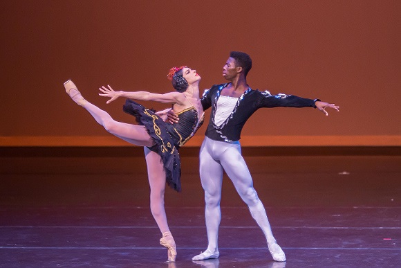 Cuban prima ballerina Viengsay Valdés and US star Brooklyn Mack will perform the principal roles in Joburg Ballet's Swan Lake this weekend.