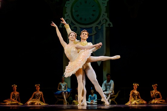 Elizabeth Nienaber and Ivan Boonzaaier in Cape Town City Ballet's Thumbelina. Photo by Jacques Conradie